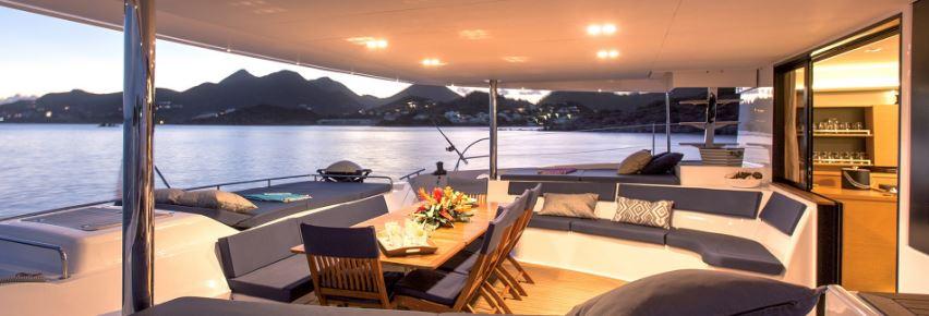 bureau-catamaran