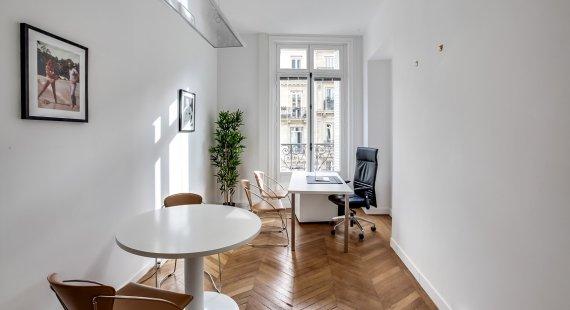 Boetie_Bureau-3p-parquet-balcon-fenetre