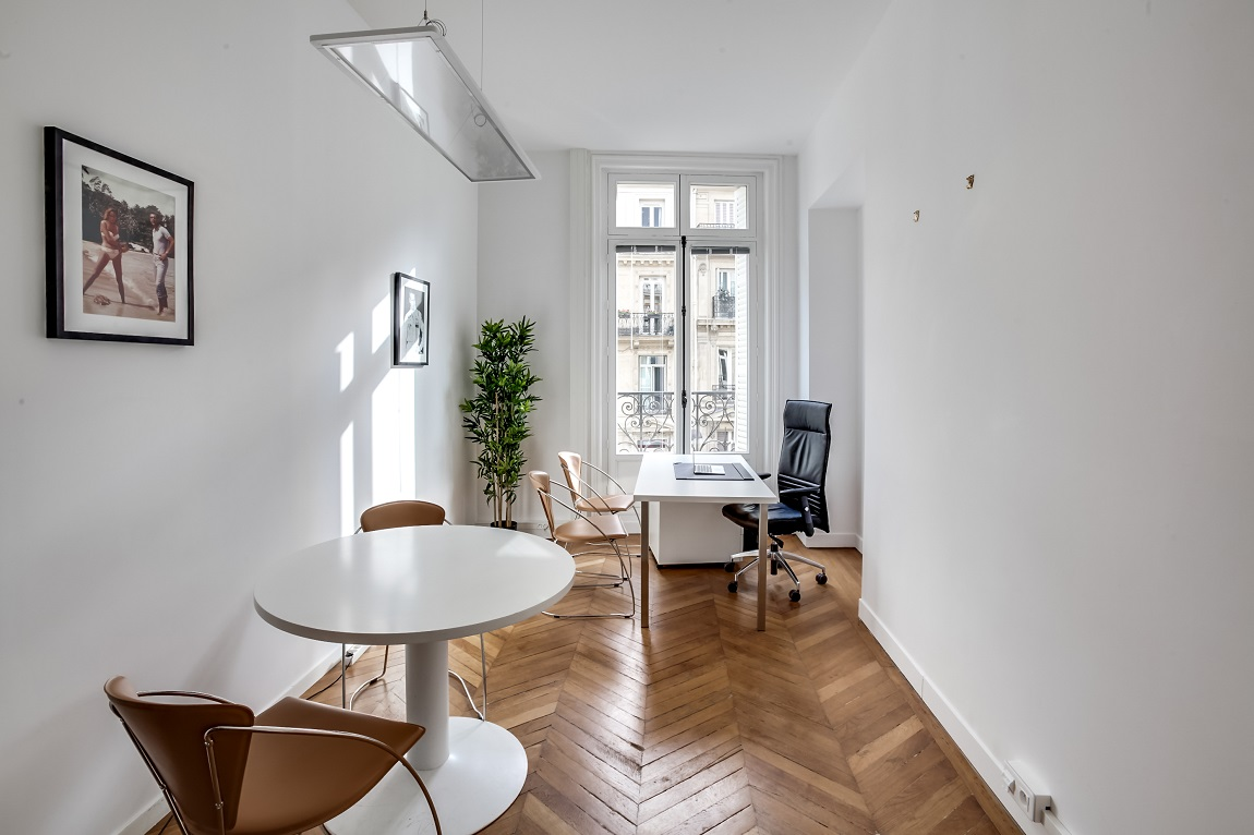 bureaux rue de la bo tie. Black Bedroom Furniture Sets. Home Design Ideas